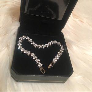 NWT Sterling Silver 925 Heart Bracelet Diamond